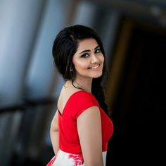 Anupama Parameswaran is one among the top celebrities of the South Indian film indutry. The actress stole the hearts of millions throu. Indian Film Actress, South Indian Actress, Beautiful Indian Actress, Indian Actresses, Frock For Women, Anupama Parameswaran, Popular Actresses, Top Celebrities, Beauty Full Girl