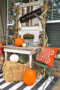 40 Beautiful Ways To Decorate Your Porch For Fall