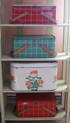 Vintage Picnic Tins (or used to collect!)