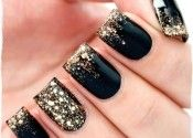 The idea of making the ring finger all glitter and the others just glitter french is cool.