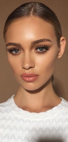glowy, clear skin + glossy, peachy lip + big lashes + neutral eyes + highlighted… – My Makeup – Wedding Makeup Summer Wedding Makeup, Best Wedding Makeup, Wedding Makeup Looks, Bridal Makeup, Prom Makeup, Pageant Makeup, Makeup Trends, Makeup Inspo, Makeup Inspiration