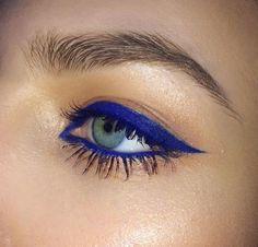 royal blue winged eyeliner