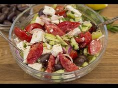 Fall Harvest Salad with Maple Vinaigrette Healthy Salad Recipes, Veggie Recipes, Fall Recipes, Vegetarian Recipes, Thanksgiving Recipes, Winter Fruit Salad, Harvest Salad, Fall Salad, Weight Loss Salad Recipe