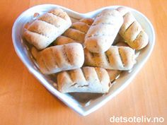Ekstra lett ostekake | Det søte liv Apple Pie, Letter, Bread, Desserts, Food, Tailgate Desserts, Deserts, Brot, Essen