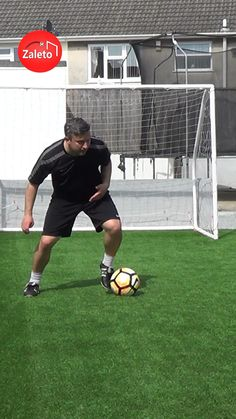 Can you do this advanced soccer skill by Douglas Costa with both feet? ⚽️ 5 star skill to try