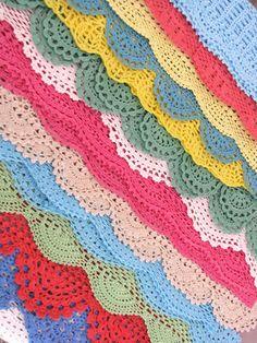 Botões e bobinas: Livre Padrão quinzenais: Sete orlas de crochê