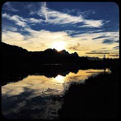 What a day. What a sunset. #soultravels #outdoorgirl #adventuregirl #mindful #munichandthemountains