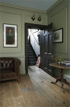 Modern Country Style: Colour Study Farrow and Ball French Gray Click through for. Modern Country Style: Colour Study Farrow and Ball French Gray Click through for details. Georgian Interiors, Georgian Homes, Georgian Residence, Modern Georgian, Cottage Interiors, Green Paint Colors, Room Colors, Halls, Modern Country Style