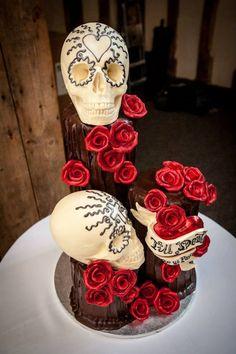 Skull wedding cake by Choccywoccydoodah