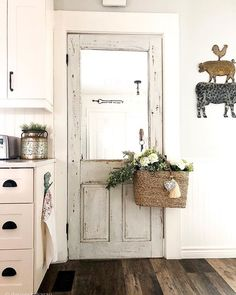 Chippy doors and baskets of flowers, what else do we need! If you want a sneak peak at how I painted my Friends (central perk) coffee… Decor, Home Decor Styles, Home Decor Bedroom, Farmhouse Decor, Cozy House, Home Decor, Farmhouse Style Bedrooms, Blogger Decor, Rustic House