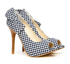 polka dots and a bow- love these with something red!