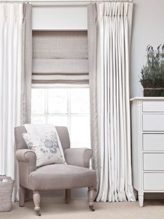 26 Ideas Bedroom Window Dressing Roman Blinds Dining Rooms Source by Bedroom Curtains With Blinds, Lounge Curtains, Living Room Blinds, Window Treatments Living Room, House Blinds, Bedroom Windows, Living Room Windows, Make Curtains, Curtains And Blinds Together
