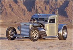 Randy Grubb's tricked out Peterbilt features a 12v71 Detroit Diesel with two 671 superchargers