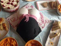 Baby shower bump cake