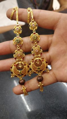 Ear Jewelry, India Jewelry, Jewlery, Gold Earrings Designs, Jewellery Designs, Bridal Jewellery, Gold Jewellery, Diamond Picture, Girly Pictures