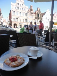 Breakfast with a view over the classical Lüneburg
