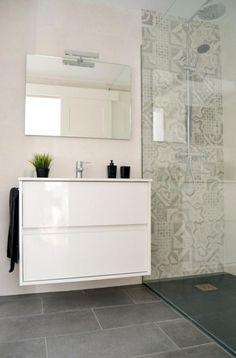 awesome 30 Best Classic Glass Block Shower Layout https://matchness.com/2018/01/13/30-best-classic-glass-block-shower-layout/ #decoracionbaños