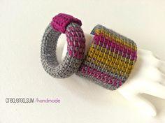 Crochet Bangles. Coppia di bracciali rigidi a crochet Rock Style