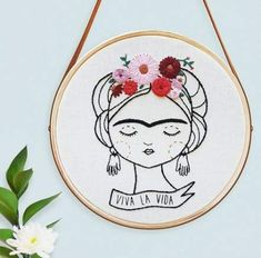 62 Ideas Embroidery Bordado Frida For 2019 Embroidery Hoop Art, Hand Embroidery Patterns, Vintage Embroidery, Cross Stitch Embroidery, Hungarian Embroidery, Embroidery Sampler, Embroidery Jewelry, Broderie Anglaise Fabric, Diy Broderie
