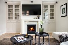 TV wall Wall, Home Decor, Lily, Decoration Home, Room Decor, Walls, Home Interior Design, Home Decoration, Interior Design