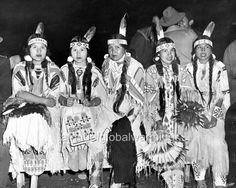 native+american+dress | ... Photo. Pacific NW. 5 Native American Indian Women in Traditional Dress