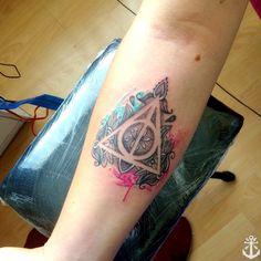 Las Reliquias de la Muerte / The Deathly Hallows / deathly hallows tattoo / harry potter tattoo / watercolor tatoo / dotwork tattoo by Felipe A. Tapia