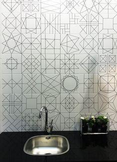기하학적패턴이 돋보이는 욕실인테리어 patterns,patterns,patterns 여기저기 일정한 패턴으로 꾸며진 욕실...