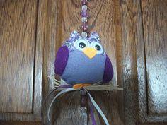 FOFARTES: corujas Felt Owls, Christmas Ornaments, Holiday Decor, Home Decor, Google Images, Owls, Decoration Home, Room Decor, Christmas Jewelry