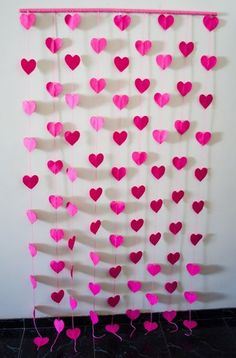 great DIY photo booth idea in rainbow colors Kids Crafts, Home Crafts, Diy And Crafts, Paper Crafts, Valentines Day Decorations, Valentine Crafts, Birthday Party Decorations, Wedding Decorations, Diy Y Manualidades