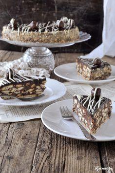 Εύκολη τούρτα μωσαϊκό με πραλίνα φουντουκιού / Chocolate nutella fridge cake Fridge Cake, Nutella, Dessert Recipes, Desserts, Food Styling, Chocolate Cake, Sweet Recipes, Ice Cream, Tasty