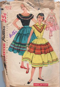 Simplicity 4946 ©1954 Peasant Blouse and Skirt