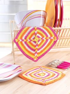Flower Dishcloths | Yarn | Free Knitting Patterns | Crochet Patterns | Yarnspirations