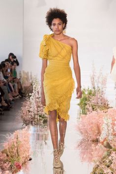 Ulla Johnson at New York Fashion Week Spring 2018 - Runway Photos Fashion Week, Fashion Show, Ulla Johnson, Designer Wear, Beautiful Outfits, Fashion Forward, Fashion Beauty, Celebrity Style, Summer Outfits