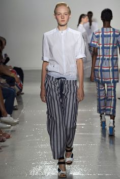 Suno | Spring 2015 Ready-to-Wear | 12 White short sleeve shirt with twin pockets and monochrome striped cropped trousers