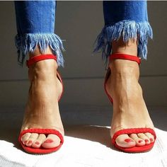 Red sandals and blue jeans #essentials https://www.stylect.com/collections/5696715308400640?ref=fbpost