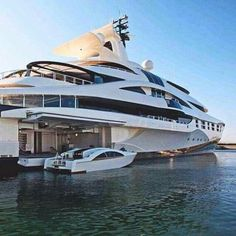 I like the idea of having a place to dock my boat against my yacht. I'll have to remember this when I buiy my yacht. Super Yachts, Speed Boats, Power Boats, Yachting Club, Luxury Sailing Yachts, Luxury Boats, Big Yachts, Yacht Interior, Interior Design