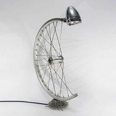 На что сгодится старый велосипед – Журнал – His.ua Old Bicycle, Bicycle Tires, Bicycle Wheel, Bicycle Art, Homemade Lamps, Unique Lamps, Unique Desks, Bicycle Lights, Task Lighting