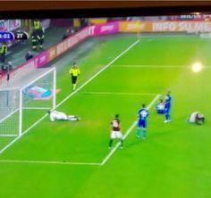 Luiz Adriano til 4-0 for Milan