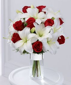lilies and red roses (: *sigh*