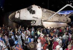 Space shuttle Atlantis exhibit 'breathtaking,' fans say (Photo: Mike Brown / Reuters)