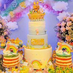 #mulpix Arca de Noé cor de rosa para o primeiro aninho da princesinha Helena !!! Bolo falso lindoooo da nossa querida parceira @atligoacucar #arcadenoe #festaarcadenoe #decoracaoarcadenoe #arcadenoecorderosa #festademenina #festaemcasa #festejandoemcasa #festejandoemcasaoficial #bolo #cake