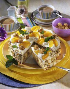 Unser beliebtes Rezept für Giotto-Nuss-Torte mit Pfirsichen und mehr als 55.000 weitere kostenlose Rezepte auf LECKER.de.