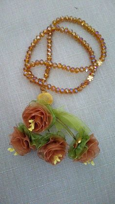 Facebook Flower Making With Ribbon, Diy Ribbon Flowers, Organza Flowers, Ribbon Work, Beaded Flowers, Fabric Flowers, Fabric Necklace, Beaded Necklace, Silk Ribbon Embroidery