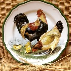 Rooster and Chicken Plate Rooster Kitchen Decor, Rooster Decor, Chicken Painting, Chicken Art, Painted Ceramic Plates, Ceramic Painting, Arte Do Galo, Antique Crocks, Rooster Art