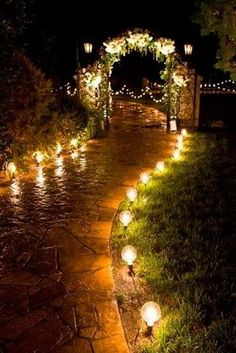outdoor wedding lighting ideas with lanterns