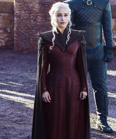 Game of Thrones Daily — Daenerys Targaryen in Season 7 (x) Got Costumes, Movie Costumes, Emilia Clarke, Got Serie, Game Of Trone, The Mother Of Dragons, Game Of Thrones Costumes, My Champion, My Sun And Stars