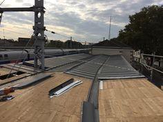 Gare d'Alfortville - pose de la couverture zinc sur les voliges - MaP3 / AREP