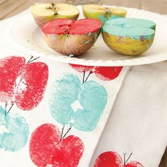 40 Fun Homemade Stamp and Stencil Decor Ideas Toddler Crafts, Kids Crafts, Diy And Crafts, Craft Projects, Arts And Crafts, Fall Crafts For Kids, Homemade Stamps, Homemade Paint, Homemade Tea