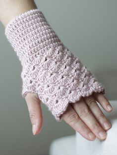 Crochet fingerless gloves in dusty rose por SENNURSASA en Etsy