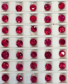 Рубины для королевских украшений! На фото подборка рубинов до 1 карата массой.❤️Ruby is for royality! On the photo collection of rubies less 1 ctin weight!❤️Для заказа: +7 925 390 20 52 WhatsApp, Telegram, Direct, Viber.☎️ #redruby #fieldtrips #travel #gemtrade #srilanka #sapphire #gems #gemstone #gemstone #jewelry #highjewelry #exclusive #gemmarket #ruby #драгоценности #рыноккамней #ювелирка #шриланка #стиль #роскошь #travelling #redsapphire #рубин #сапфиры #corundum #rubies…